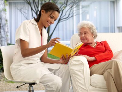 volunteer-in-nursing-home-1