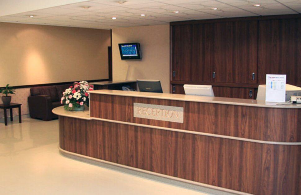 Bespoke-Curved-Hotel-Reception-Desks-_-Elegant-Wooden-Hotel-Counters.jpg